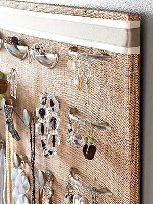drawer pull jewelry organizer by bhgdotcom
